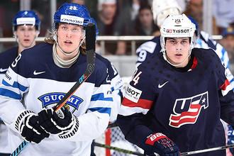 Патрик Лайне (слева) и Остон Мэттьюс уже стали конкурентами не только на льду, но и в борьбе за первый номер на драфте