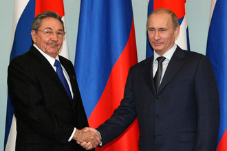 Рауль Кастро и Владимир Путин, 2009 год
