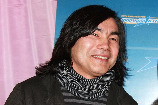Музыкант Батырхан Шукенов. 2009 год