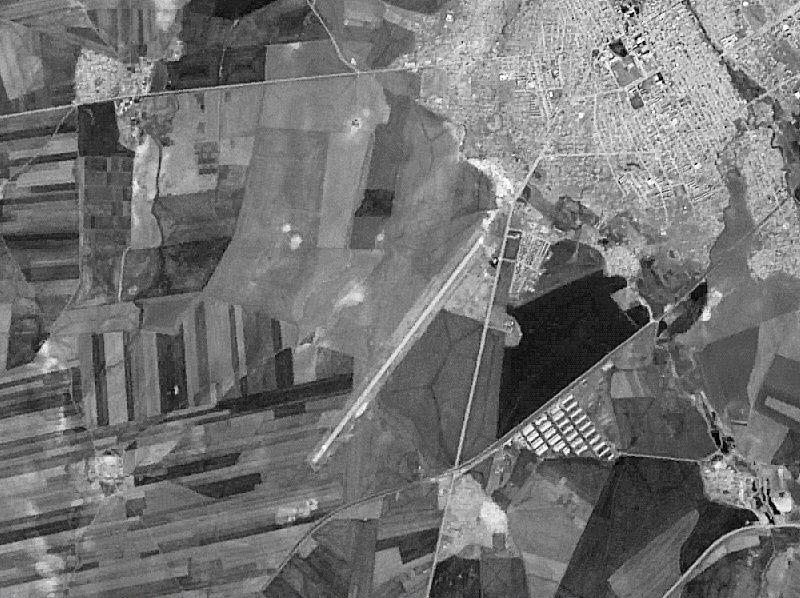 Снимок аэродрома Камышли, сделанный со спутника в 1988 г.