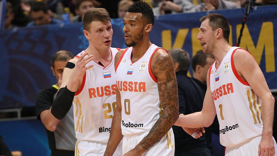 Игроки сборной России Андрей Воронцевич, Джоэл Боломбой, Виталий Фридзон (слева направо)