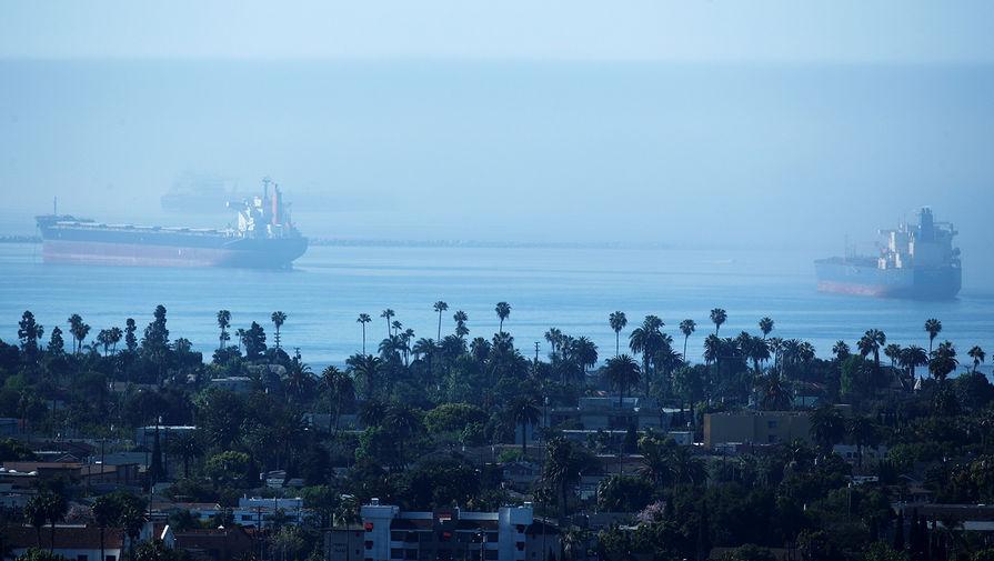 Нефтетанкеры у берегов Калифорнии в США, апрель 2020 года