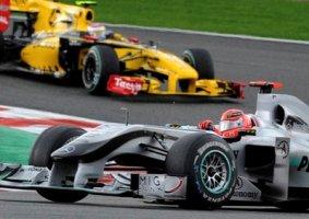 Петров не поспевает за Шумахером