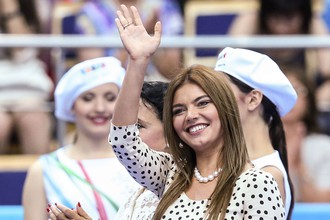 Политик Алина Кабаева не забывает о своих корнях