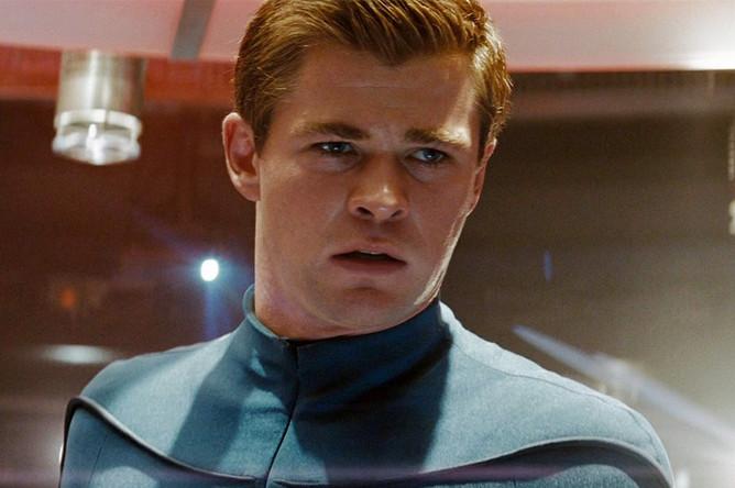 Кадр из фильма «Звездный путь» (2009)