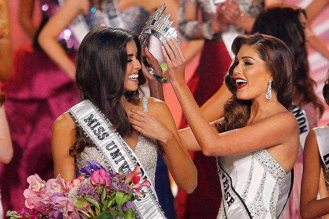 Мисс Колумбия Паулина Вега и мисс Вселенная 2013 года Габриэла Айлер