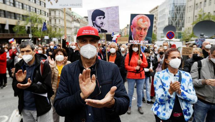 «Агент Кремля»: чехи потребовали отставки президента