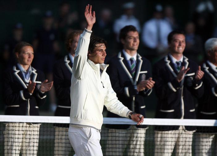 Рафаэль Надаль на Уимблдоне после победы над швейцарцем Роджером Федерером, 2008 год