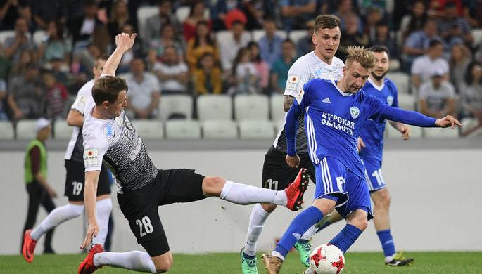 Полузащитник «Тосно» Алексей Скворцов открывает счет в матче