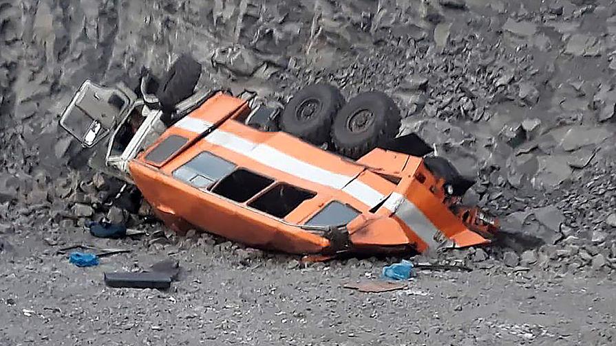 Шесть погибших: автобус рухнул с большой высоты в Кузбассе