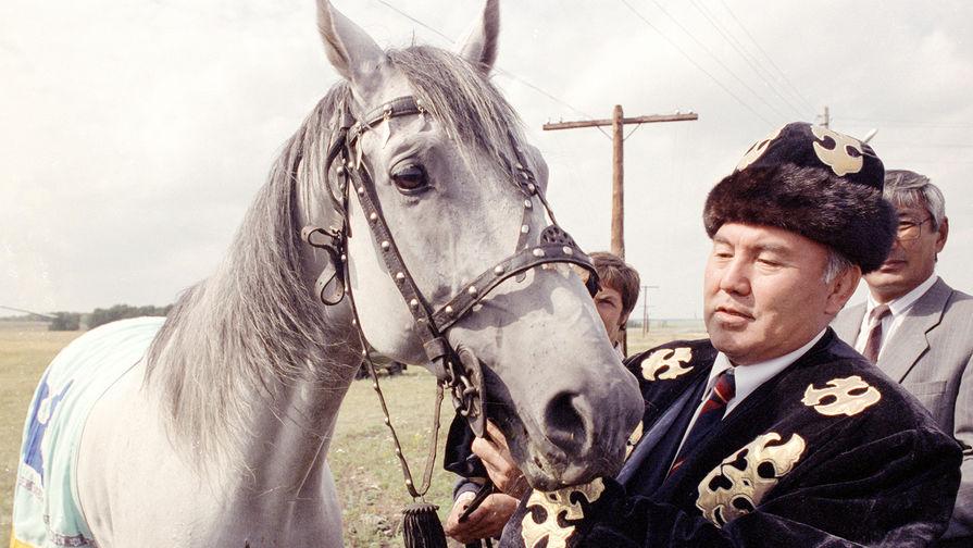 Президент Казахстана Нурсултан Назарбаев во время визита в Кокшетау, фотография опубликована без даты