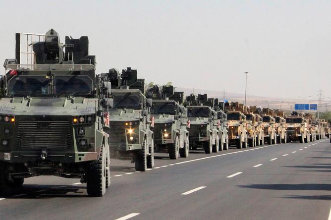 Турецкая техника близ границы с Сирией, 9 октября 2019 года
