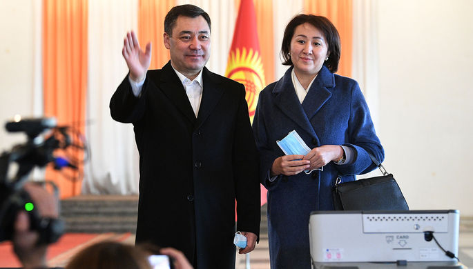 Кандидат в президенты Кыргызской Республики Садыр Жапаров с супругой Айгуль Жапаровой, 10 января 2021 года