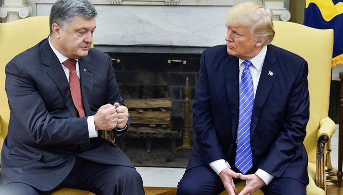Президент Украины Петр Порошенко и президент США Дональд Трамп во время встречи в Белом доме в...