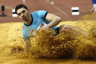 Александр Меньков легко квалифицировался в финал в прыжках в длину на ЧМ по легкой атлетике