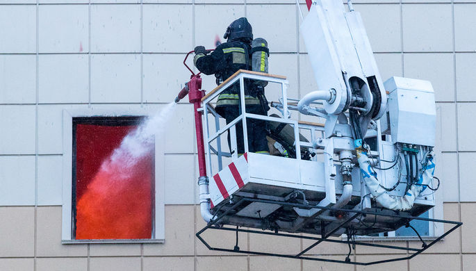 Во время ликвидации пожара в торгово-развлекательном центре «Зимняя вишня» на проспекте...