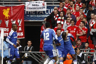 «Синие» сумели скрасить неудачно начавшийся сезон, «красные» — нет