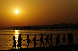 Дети в лагере у Черного моря