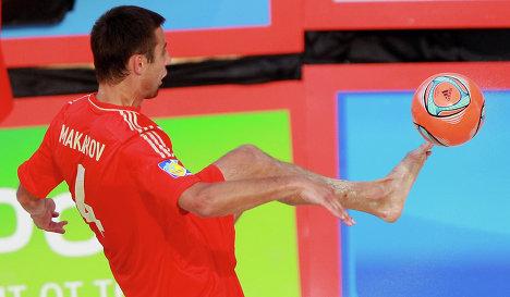 Сборная России по пляжному футболу одержала победу над Бразилией в полуфинале Межконтинентального кубка.