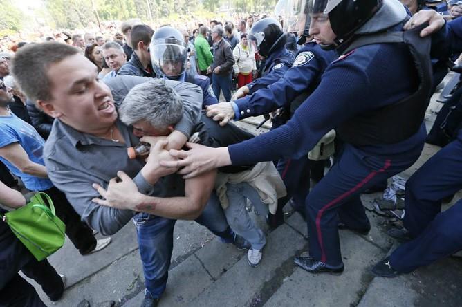 Песков возложил на Киев вину за события в Одессе