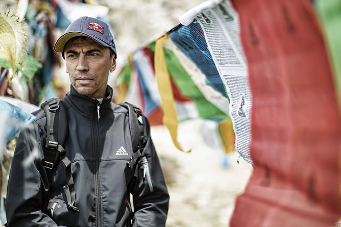 Валерий Розов на пути к северному склону Эвереста, Китай, 15 апреля 2013