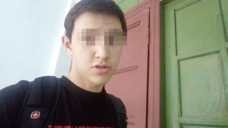 Подросток ударил 12-летнюю школьницу топором