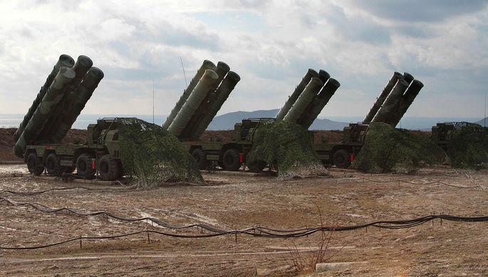 Российская ЗРК С-400 «Триумф» в Феодосии, январь 2017 года