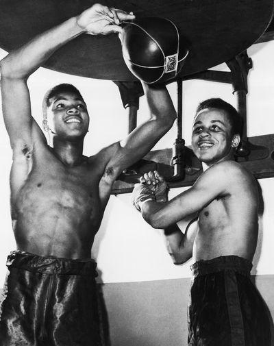 Мухаммед Али и Джонни Хэмптон тренируются перед турниром «Золотые перчатки» в Луисвилле, 1959 год