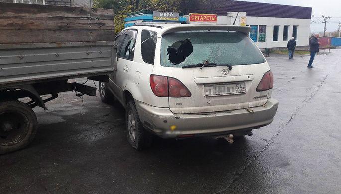 Поврежденный автомобиль Toyota Harrier около исправительной колонии №3 в Первомайском районе Новосибирска, 4 октября 2017 года