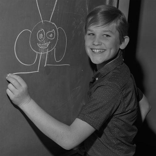 Курт Рассел снимался на телевидении с шести лет. Его первой ролью в кино стало появление в фильме «Это случилось на Всемирной выставке» с Элвисом Пресли. В 1966 году он подписал контракт со студией The Walt Disney сроком на десять лет и за это время сыграл в 13 фильмах и множестве сериалов.