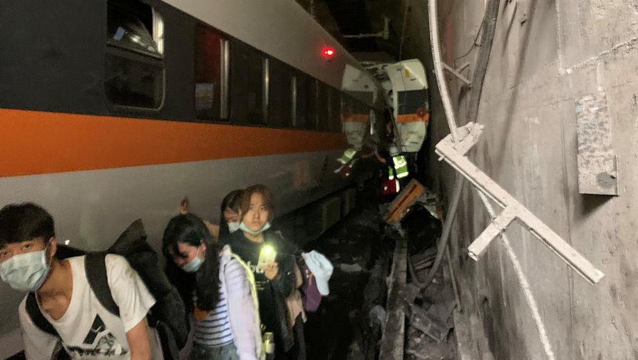 Число погибших в аварии с поездом на Тайване может достигать 36 человек