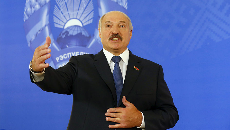 Президент Белоруссии Александр Лукашенко на пресс-конференции в Минске, 11 октября 2015 года