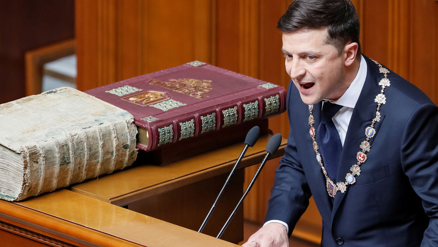 Петиция за отставку Зеленского набрала необходимые для рассмотрения голоса