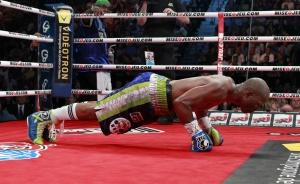 Хопкинс успел и отжаться на ринге