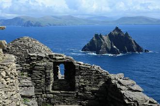 Руины монастыря VII века на острове Скеллиг-Майкл (Skellig Michael) в 12 км от юго-западного берега Ирландии