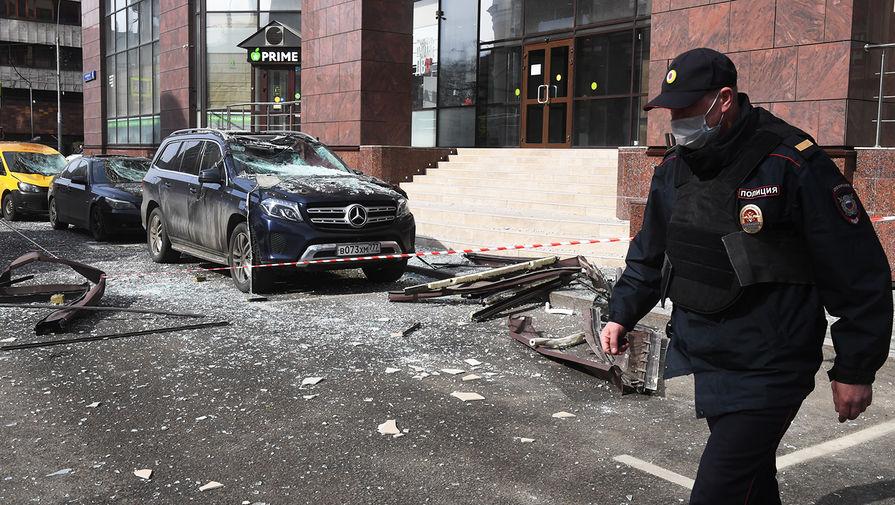 Ситуация на месте взрыва в бизнес-центре «Панорама» на 2-й Брестской улице в Москве, 9 апреля 2020 года