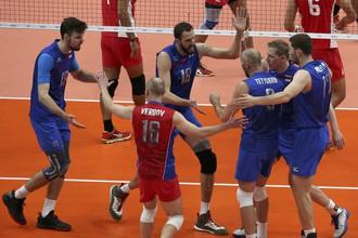 Мужская сборная России по волейболу в третьем туре группового этапа Олимпийских игр в Рио-де-Жанейро разгромила команду Египта со счетом 3:0.