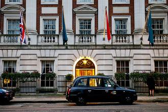 Гостиница Millennium Hotel в Лондоне, где 1 ноября 2006 года Александр Литвиненко встретился с бывшими коллегами по российским спецслужбам Андреем Луговым и Дмитрием Ковтуном