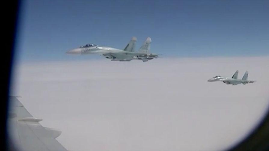 НАТО объяснило приближение своего истребителя к самолету Шойгу