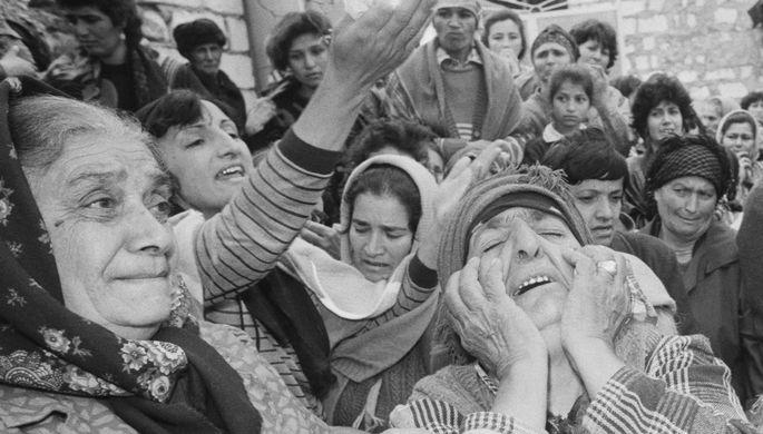 «Из глаз торчали окурки»: кто виновен в Ходжалинской трагедии