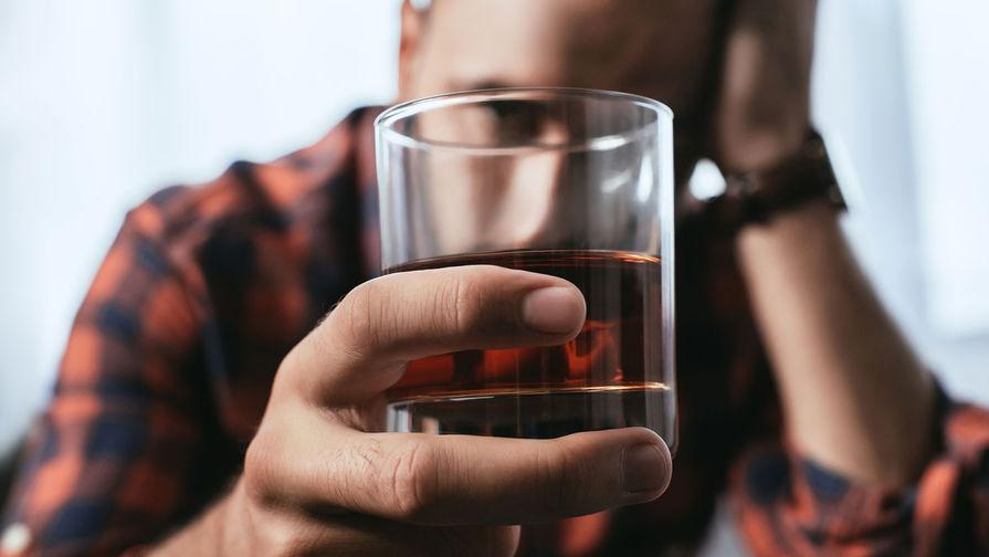 В Минздраве предупредили, что алкоголь и табак повышают риск заражения COVID-19