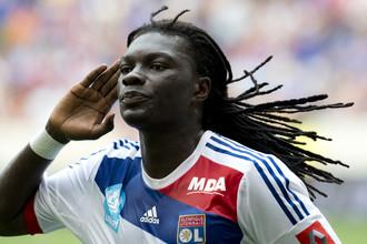 Бафетимби Гомис празднует гол в ворота «Монпелье»
