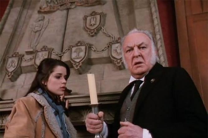 Еще одной любимой киношниками работой Уайльда стала новелла «Кентервильское привидение». Они принялись за историю привидения, едва не доведенного до отчаяния американской семьей, только в 1940-е, но около 20 лент у них вышло. Одна из них — картина 1996 года, роль призрака в которой сыграл Патрик Стюарт.