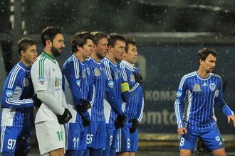 Игроки «Волги» в матче с «Томью»