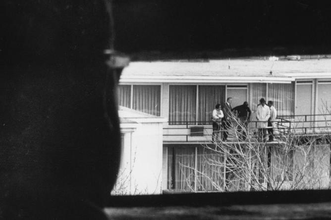 Вид из окна, из которого был произведен выстрел
