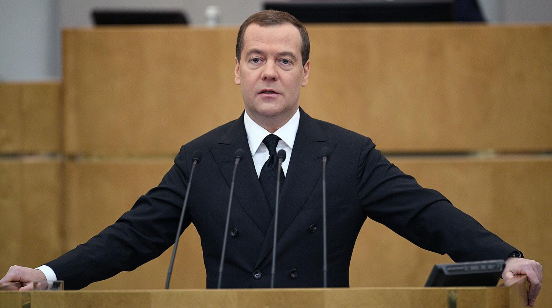 Президент Туркмении подарил Медведеву щенка