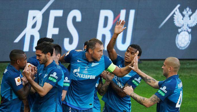 Игроки «Зенита» в ходе матча за Суперкубок России