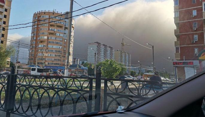 Во время пыльной бури в Астрахани, 19 мая 2021 года