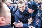 Госдеп призвал отпустить задержанных участников протестных акций в России