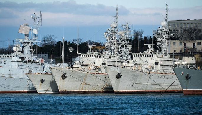 Украинские корабли в бухте Севастополя, январь 2018 года